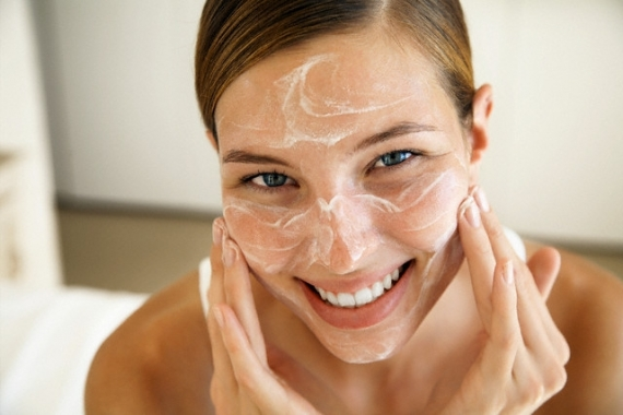 """Résultat de recherche d'images pour """"She doesn't skimp on moisturizer."""""""
